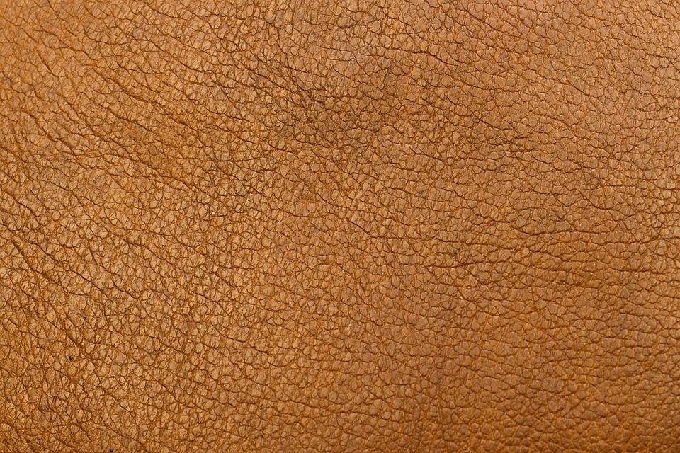 hnědá kůže