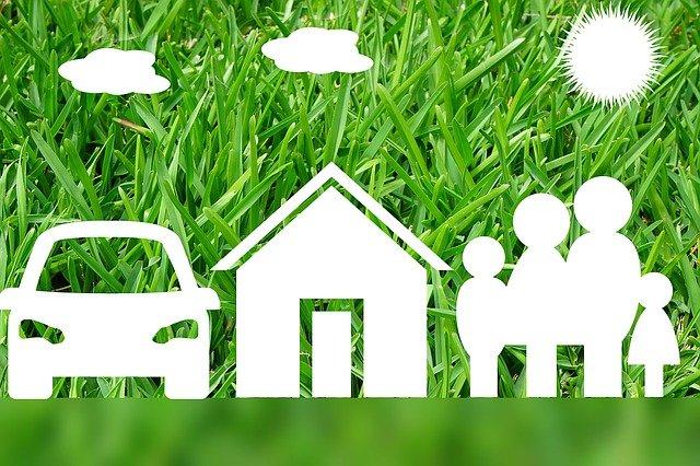 auto, dům a rodina