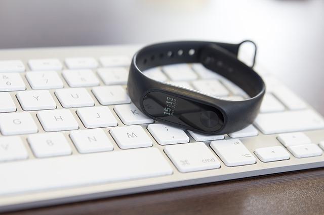 hodinky na klávesnici