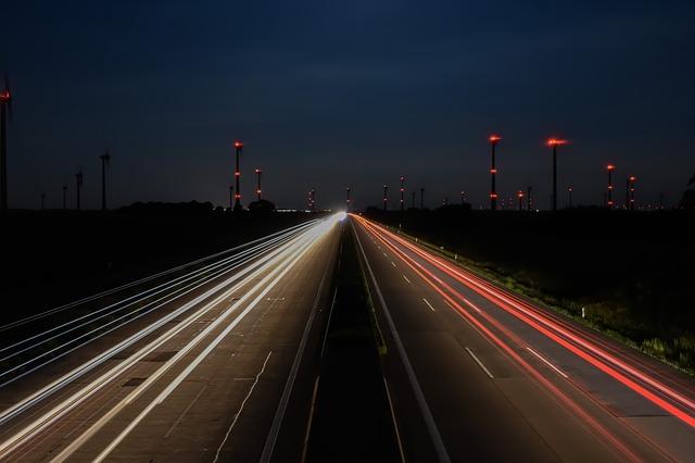 noční provoz na dálnici